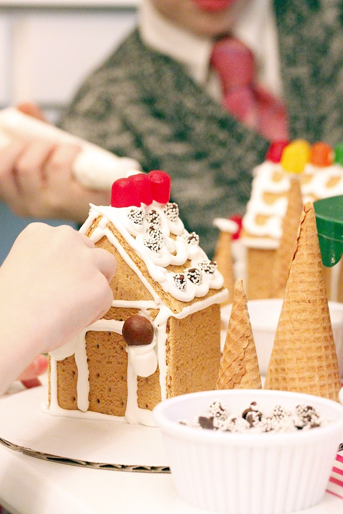 Gingerbread House Decorating Party on Kara's Party Ideas | KarasPartyIdeas.com (17)