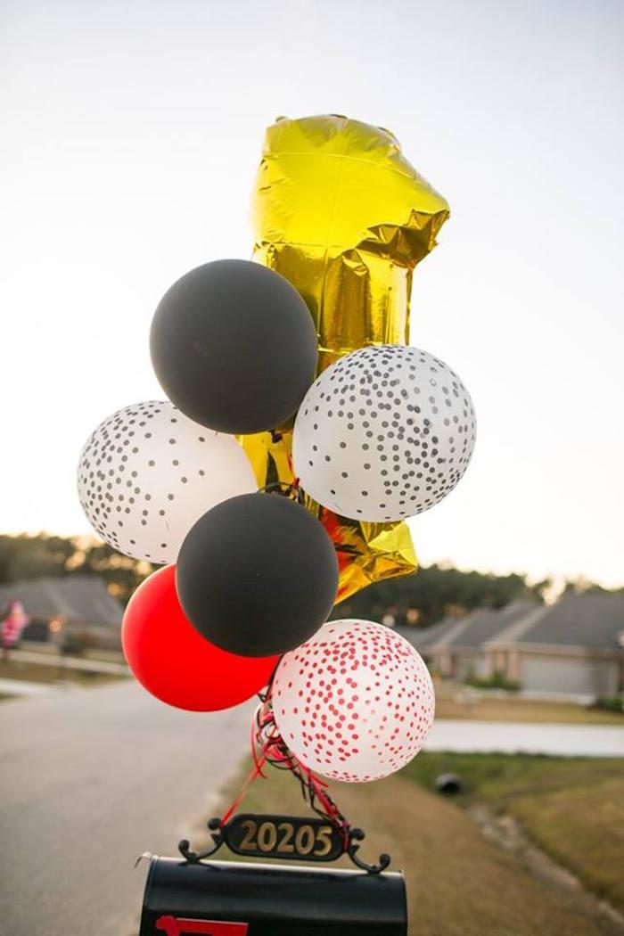 Balloon bunting from a Lumberjack Birthday Party on Kara's Party Ideas | KarasPartyIdeas.com (25)