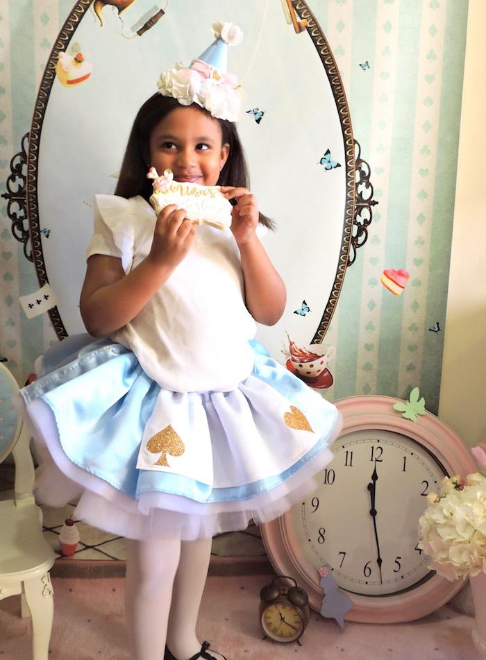 Pastel Glam Alice in Wonderland Birthday Party on Kara's Party Ideas | KarasPartyIdeas.com (59)