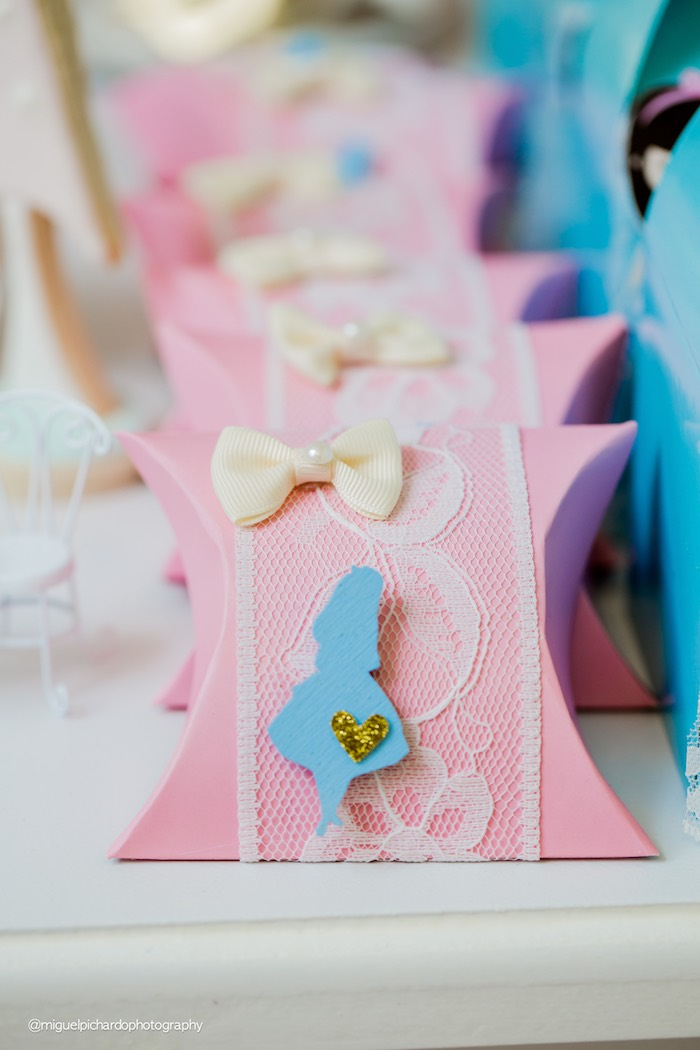 Alice in Wonderland pillow favor boxes from a Pastel Glam Alice in Wonderland Birthday Party on Kara's Party Ideas | KarasPartyIdeas.com (24)
