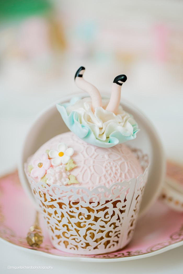 Alice in Wonderland cupcake from a Pastel Glam Alice in Wonderland Birthday Party on Kara's Party Ideas | KarasPartyIdeas.com (12)