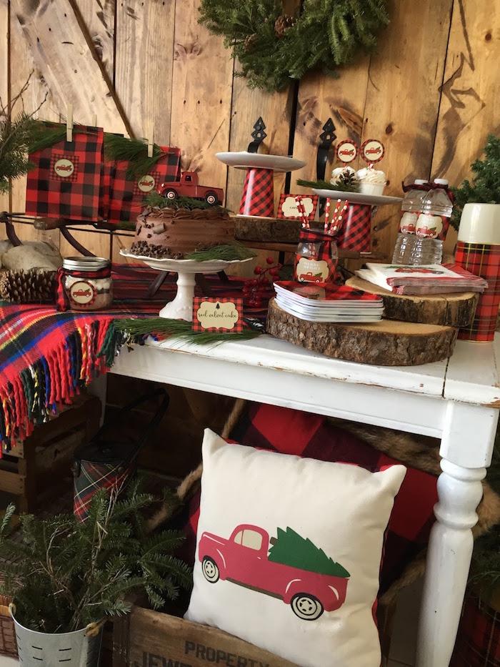 Kara 39 s party ideas vintage rustic plaid christmas party for Vintage rustic christmas decorations