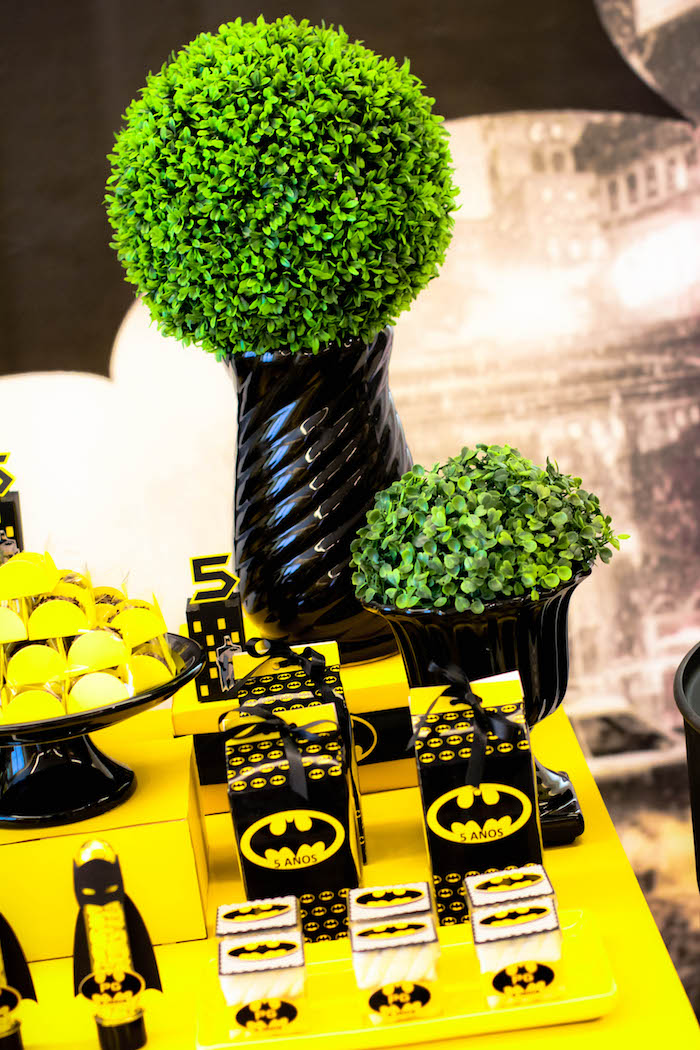 Kara S Party Ideas Black And Yellow Batman Birthday Party