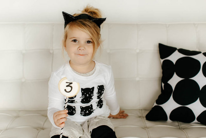 Black & White Kitty Birthday Party on Kara's Party Ideas | KarasPartyIdeas.com (4)