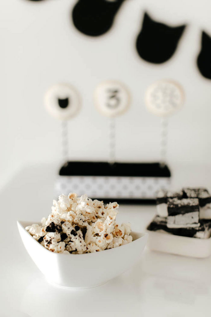 Cookies and Cream Popcorn from a Black & White Kitty Birthday Party on Kara's Party Ideas | KarasPartyIdeas.com (23)