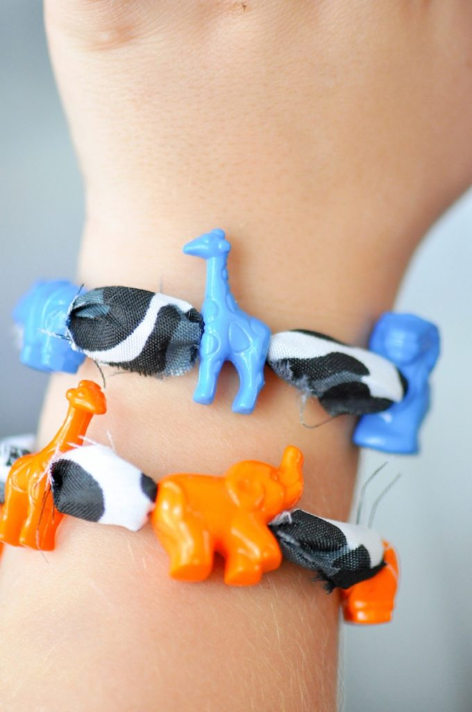 DIY Jungle Animal Kids Beaded Bracelet via Kara's Party Ideas
