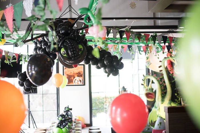 Toothless balloon creation from a Viking & Dragons Birthday Party on Kara's Party Ideas | KarasPartyIdeas.com (20)
