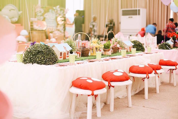 Guest tablescape from a Woodland Little Red Riding Hood Party on Kara's Party Ideas | KarasPartyIdeas.com (18)