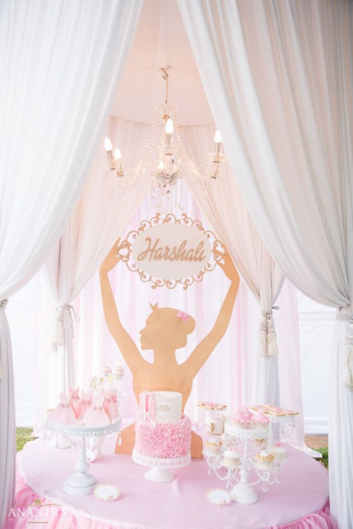 Kara 39 s party ideas elegant ballerina birthday party kara for Ballerina party decoration ideas