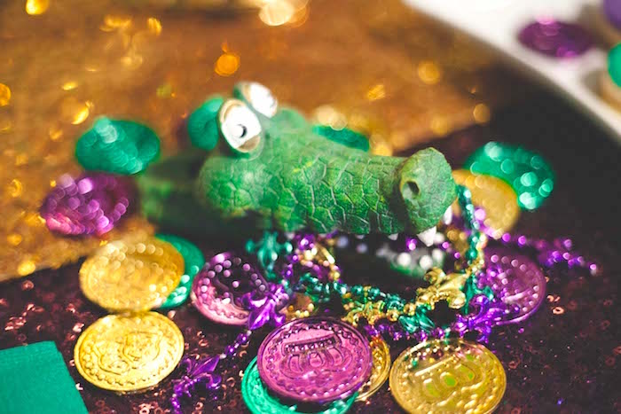 Mardi Gras Float Mardi Gras Carnival Mardi Gras Party Mardi Gras Centerpieces Mardi Gras Decorations Mardi Gras Wreath Mardi Gras Beads Mardi Grad Bead Crafts Forward Mardi Gras Bead Decorations are a great way to use those Mardi Gras Beads you collect at parades.