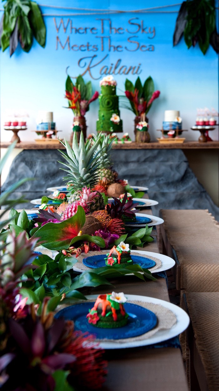 Guest table from a Moana Inspired Birthday Party on Kara's Party Ideas | KarasPartyIdeas.com (29)