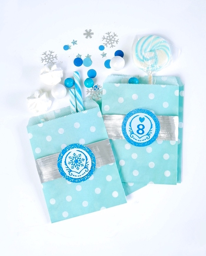 Polka dot snack bags with silver ribbon from a Shimmering Frozen Birthday Party on Kara's Party Ideas | KarasPartyIdeas.com (29)
