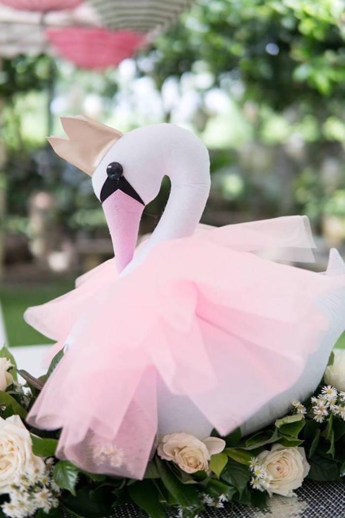 Swan centerpiece from a Dreamy Swan Soiree on Kara's Party Ideas | KarasPartyIdeas.com (20)