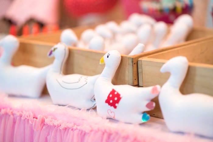 Swans to decorate from a Dreamy Swan Soiree on Kara's Party Ideas | KarasPartyIdeas.com (18)