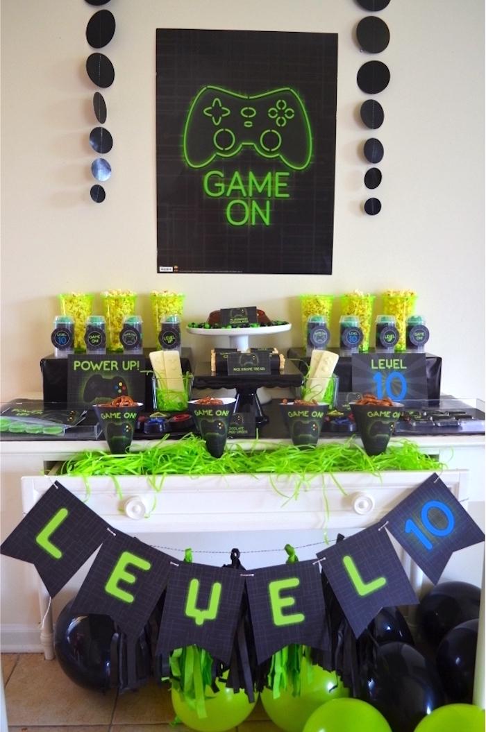 Gaming + Video Gamer Birthday Party on Kara's Party Ideas | KarasPartyIdeas.com (20)