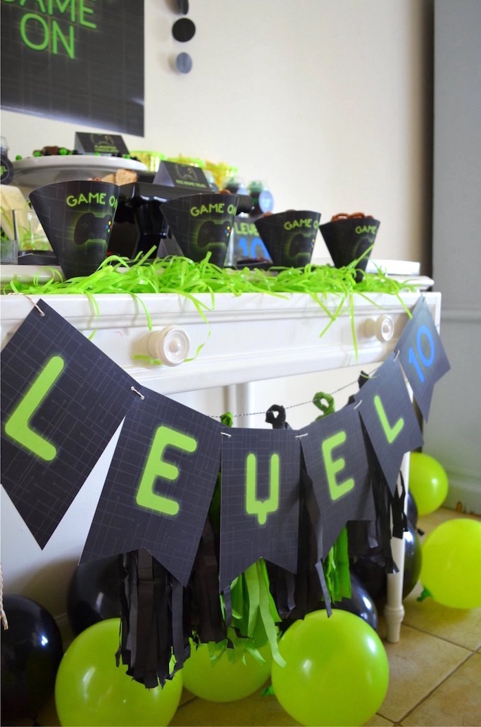 """""""Level 10"""" banner from a Gaming + Video Gamer Birthday Party on Kara's Party Ideas 