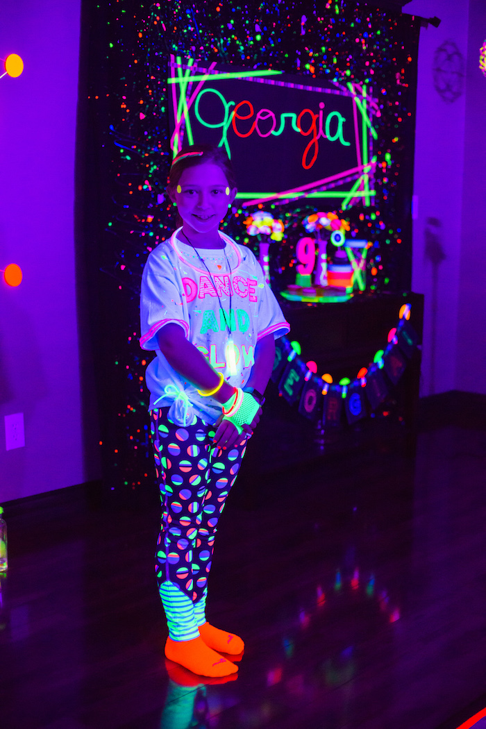 Glow Dance Birthday Party on Kara's Party Ideas | KarasPartyIdeas.com (10)