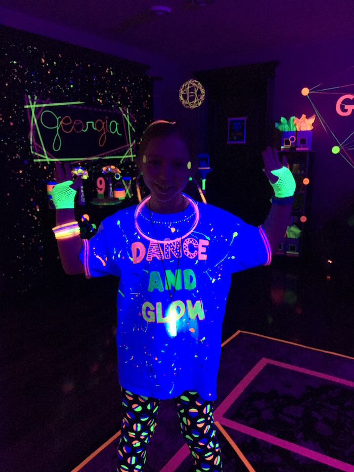 Glow Dance Birthday Party on Kara's Party Ideas | KarasPartyIdeas.com (8)