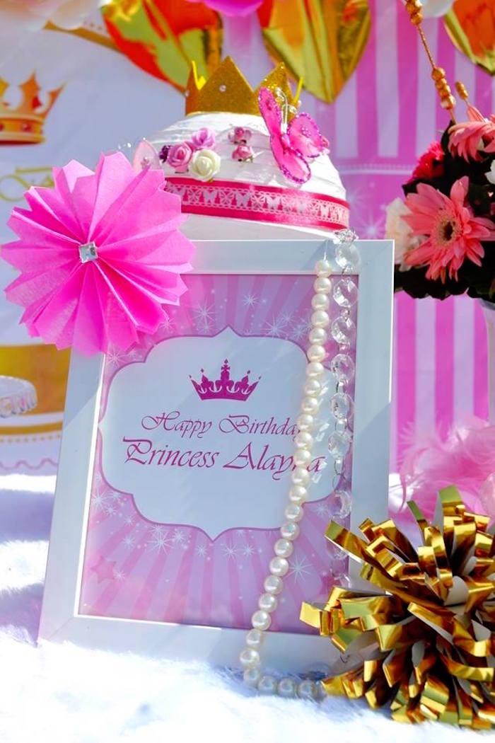 Kara 39 s party ideas pink royal princess birthday party for Princess birthday party crafts