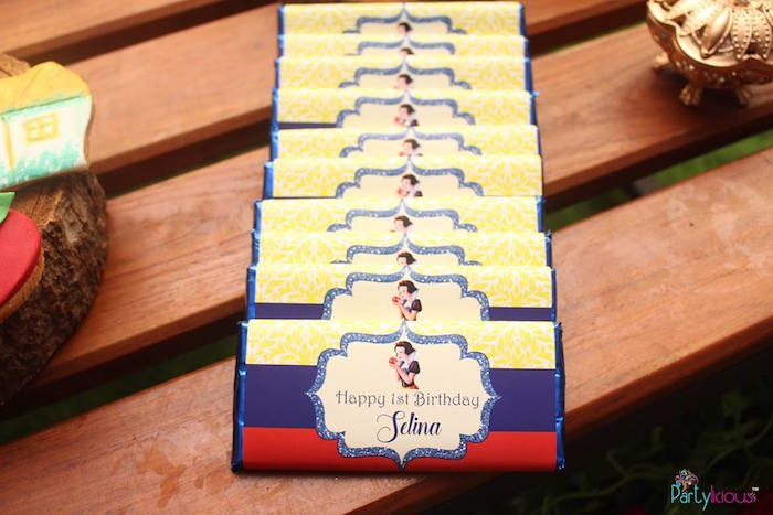 Snow White chocolate bars from a Snow White & The Seven Dwarfs Birthday Party on Kara's Party Ideas | KarasPartyIdeas.com (29)
