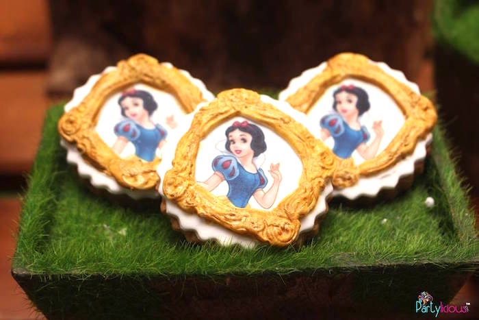 Snow White Cookies from a Snow White & The Seven Dwarfs Birthday Party on Kara's Party Ideas | KarasPartyIdeas.com (2)