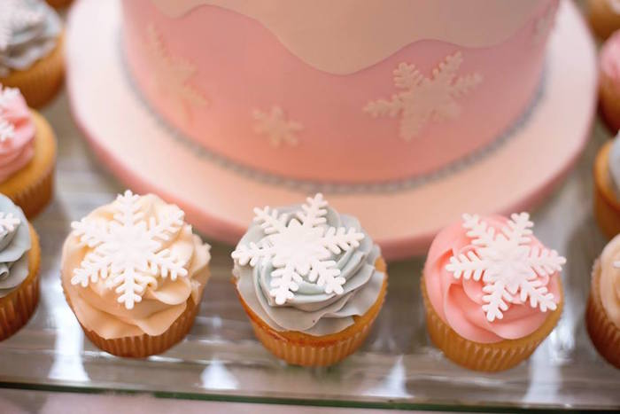 Snowflake cupcakes from a Winter ONEderland First Birthday Party on Kara's Party Ideas | KarasPartyIdeas.com (29)
