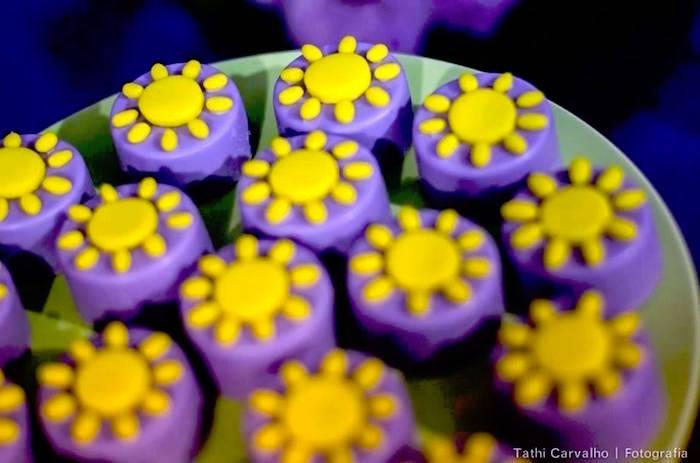 "Sunburst Oreos from a ""Floating Lanterns Gleam"" Tangled Birthday Party on Kara's Party Ideas   KarasPartyIdeas.com (5)"