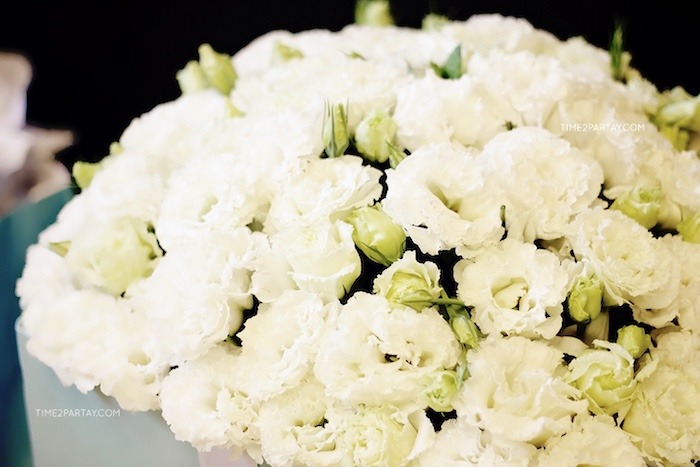 White blooms from a Breakfast at Tiffany's Inspired Bridal Shower on Kara's Party Ideas | KarasPartyIdeas.com (21)