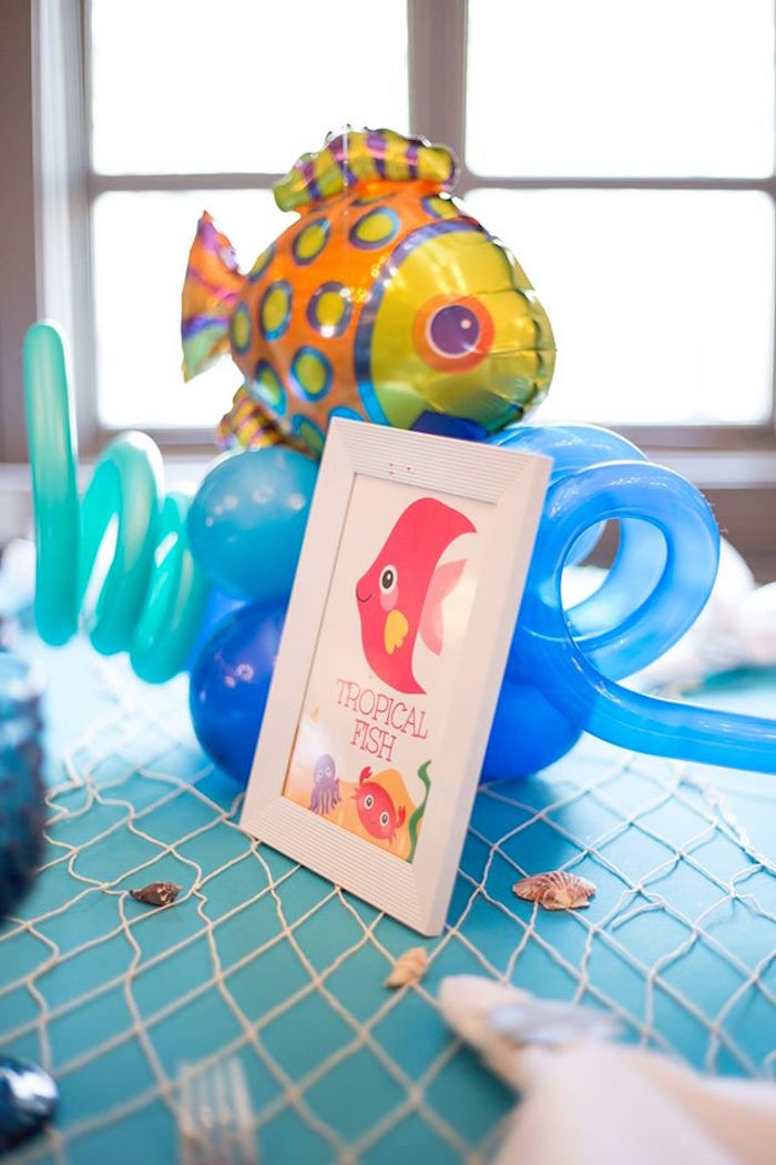Tropical fish balloon centerpiece from a Bubbly Under the Sea Birthday Party on Kara's Party Ideas | KarasPartyIdeas.com (16)