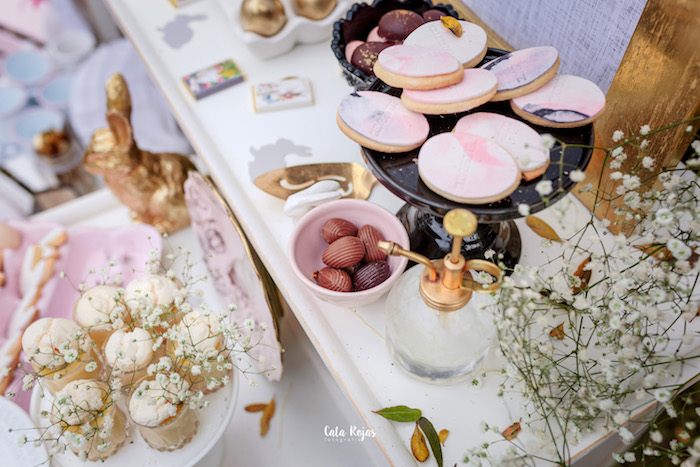 Sweet tabletop from a Countryside Bunny Party via Kara's Party Ideas | KarasPartyIdeas.com (5)