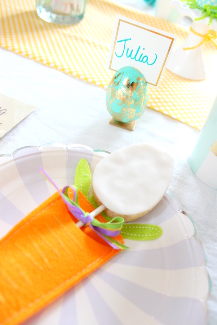 Egg place card holder from a Hoppy Easter Party for Kids on Kara's Party Ideas | KarasPartyIdeas.com (7)