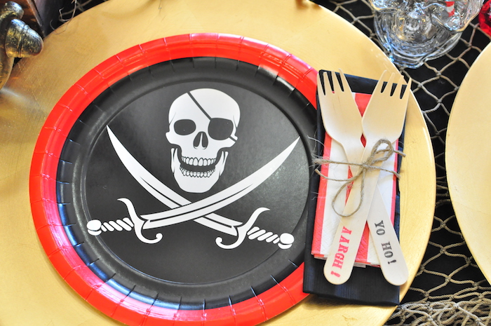Pirate place setting from a Pirates of the Caribbean Birthday Party on Kara's Party Ideas | KarasPartyIdeas.com (34)