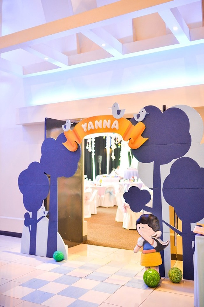 Entrance to a Fairytale Princess Birthday Party on Kara's Party Ideas | KarasPartyIdeas.com (30)