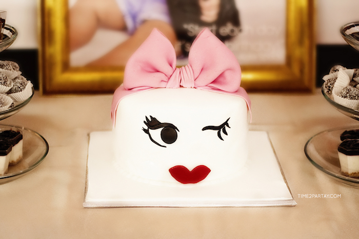 Face cake from a Kate Spade Inspired 1st Birthday Party on Kara's Party Ideas | KarasPartyIdeas.com (19)