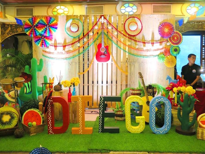 Fiesta Stage From A Mexican Birthday Party On Kara S Ideas Karaspartyideas