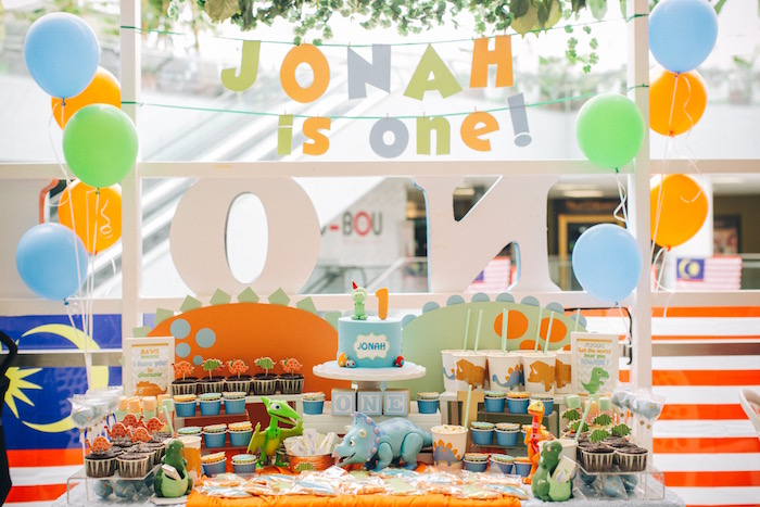 Modern Dinosaur Birthday Party on Kara'a Party Ideas | KarasPartyIdeas.com (13)