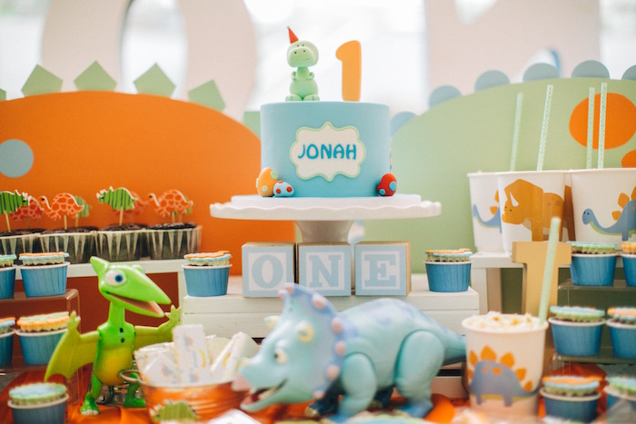 Cakescape from a Modern Dinosaur Birthday Party on Kara'a Party Ideas | KarasPartyIdeas.com (7)