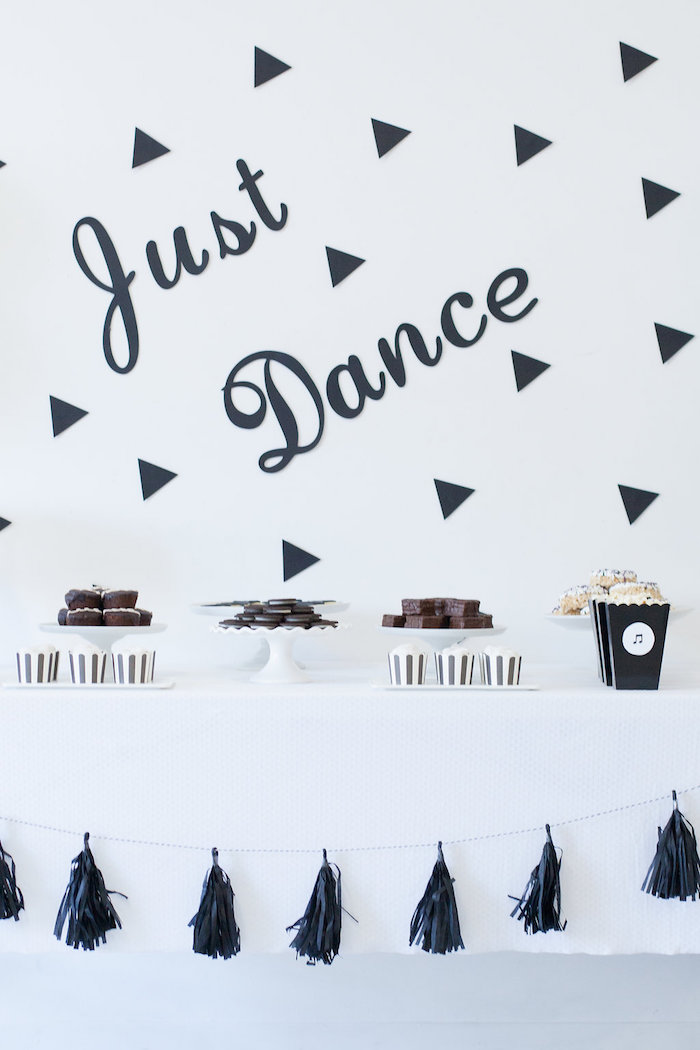 Monochromatic Just Dance Birthday Party on Kara's Party Ideas | KarasPartyIdeas.com (23)