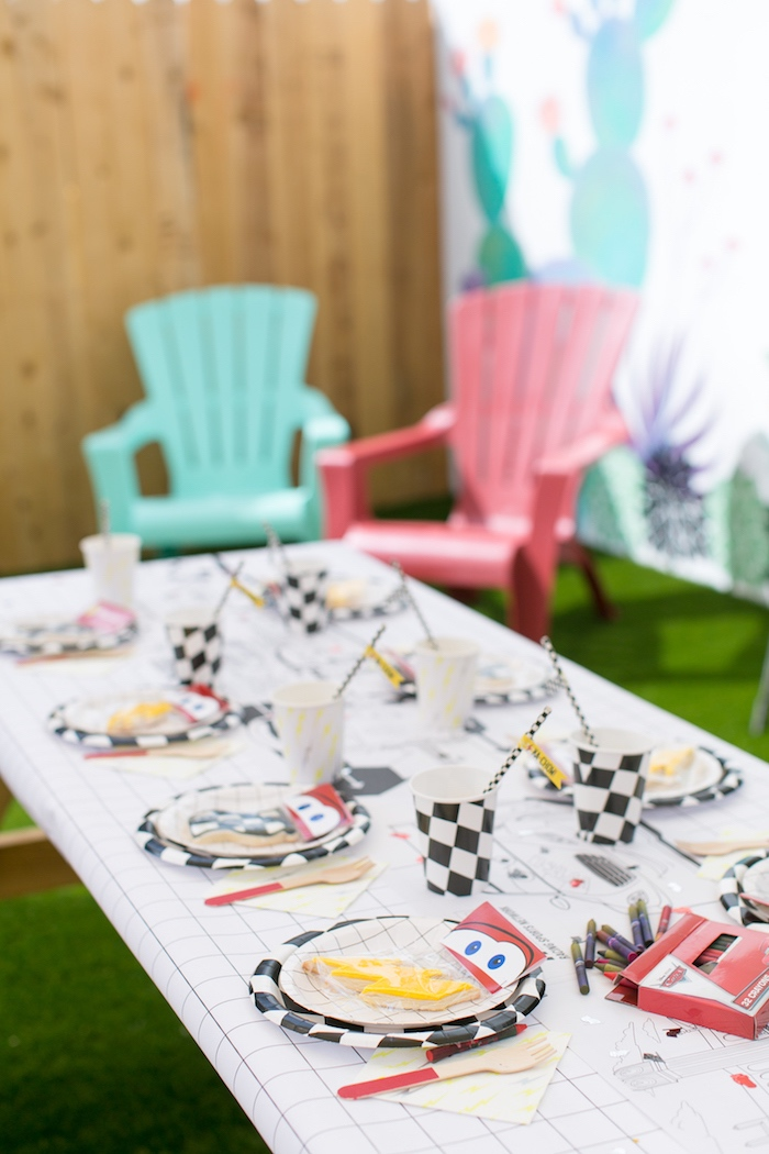 Guest tablescape from a Cars 3 Birthday Party on Kara's Party Ideas | KarasPartyIdeas.com (19)