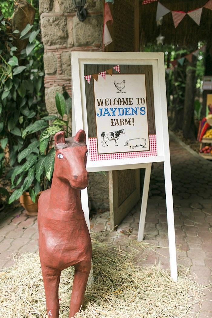 Farm Party Welcome Sign from a Farm Birthday Party on Kara's Party Ideas | KarasPartyIdeas.com (42)