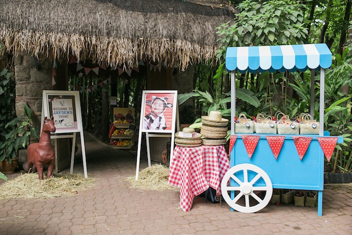 Partyscape from a Farm Birthday Party on Kara's Party Ideas | KarasPartyIdeas.com (41)
