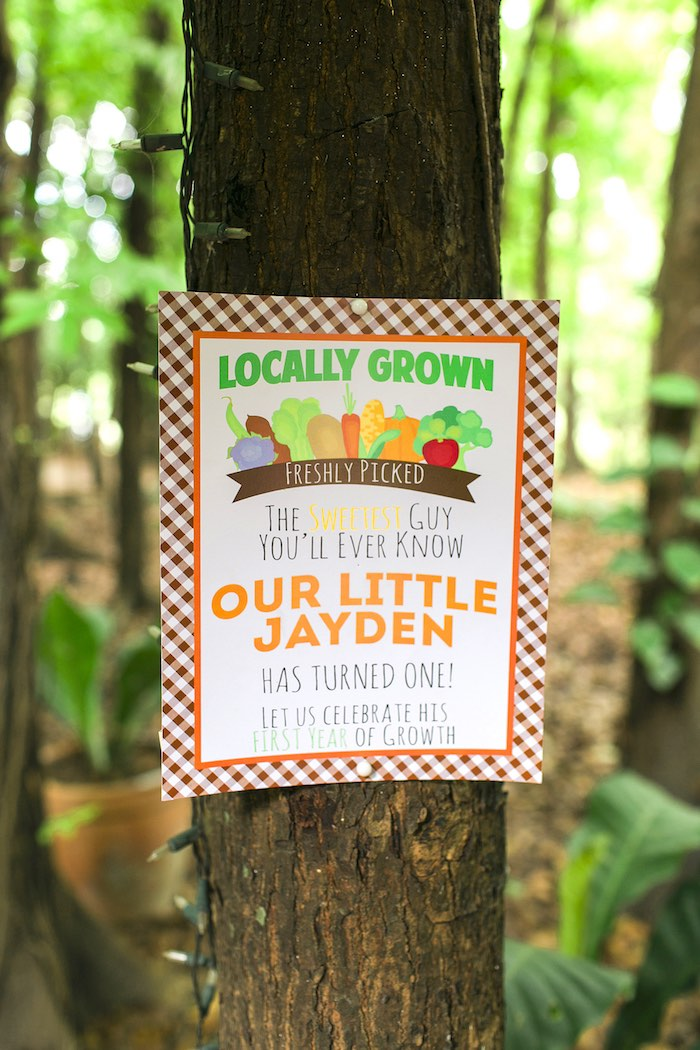 Party signage from a Farm Birthday Party on Kara's Party Ideas | KarasPartyIdeas.com (37)