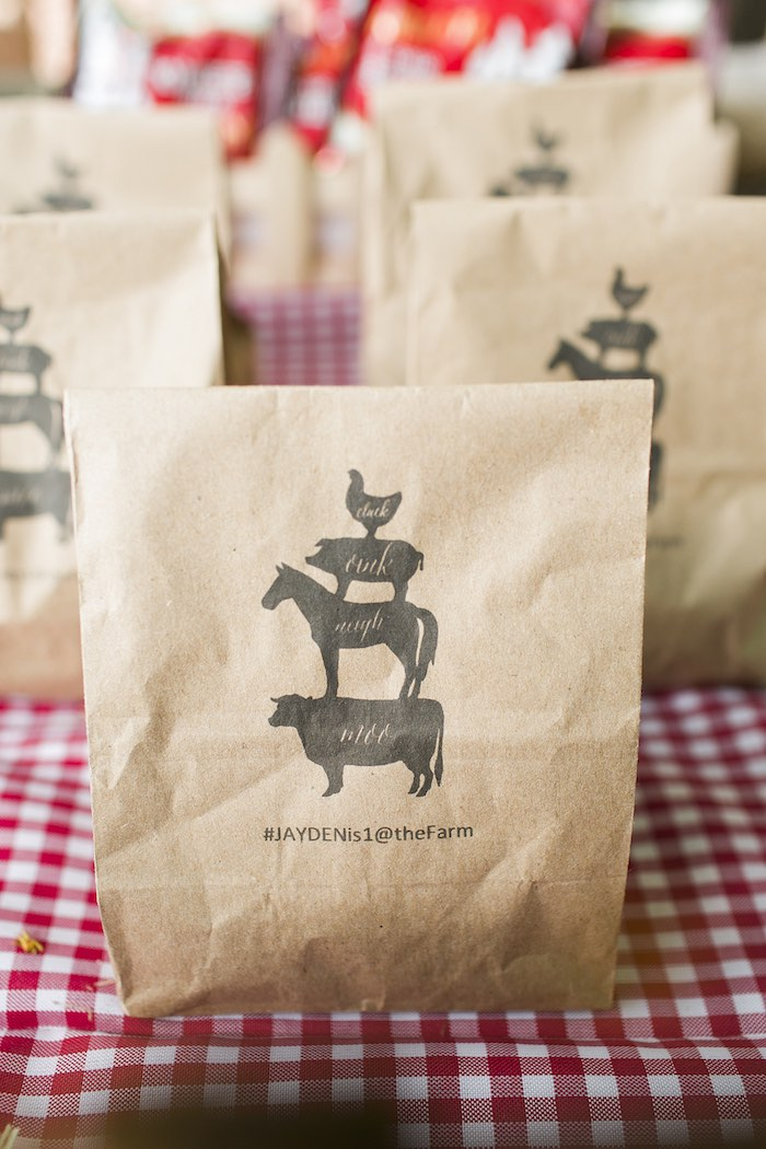 Farm animal lunch sacks from a Farm Birthday Party on Kara's Party Ideas | KarasPartyIdeas.com (29)