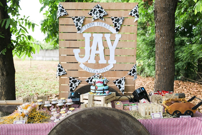 Farm dessert table from a Farm Birthday Party on Kara's Party Ideas | KarasPartyIdeas.com (23)