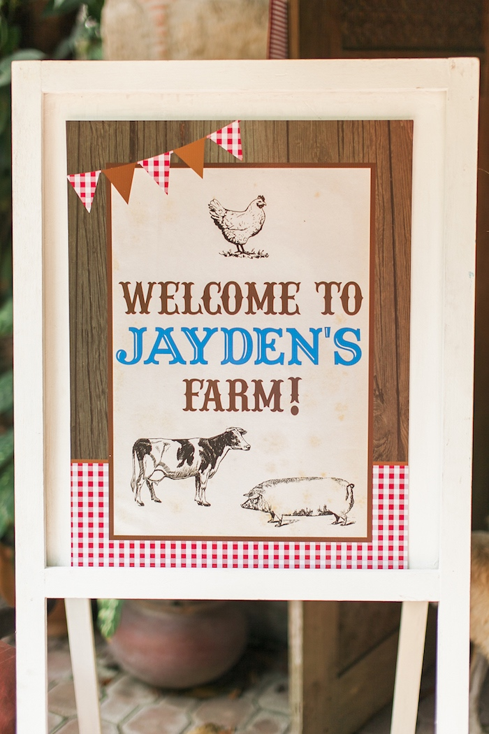 Welcome sign from a Farm Birthday Party on Kara's Party Ideas | KarasPartyIdeas.com (15)
