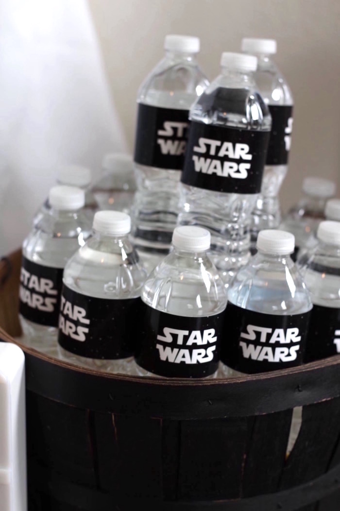 Kara's Party Ideas Monochromatic Star Wars Birthday Party ...