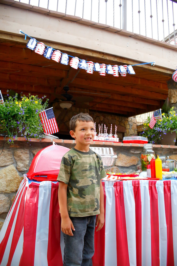 Patriotic Red, White, and Blue Barbecue on Kara's Party Ideas   KarasPartyIdeas.com (12)