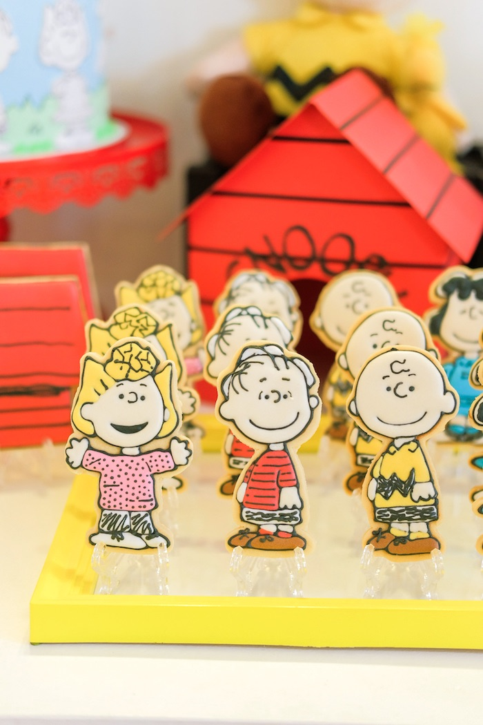 Sugar cookies from a Cookies from a Peanuts + Snoopy Birthday Party on Kara's Party Ideas | KarasPartyIdeas.com (13)