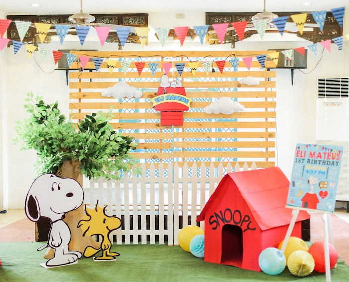Party backdrop from a Peanuts + Snoopy Birthday Party on Kara's Party Ideas | KarasPartyIdeas.com (37)
