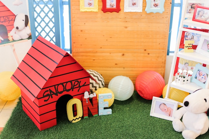 Snoopy dog house from a Peanuts + Snoopy Birthday Party on Kara's Party Ideas | KarasPartyIdeas.com (32)